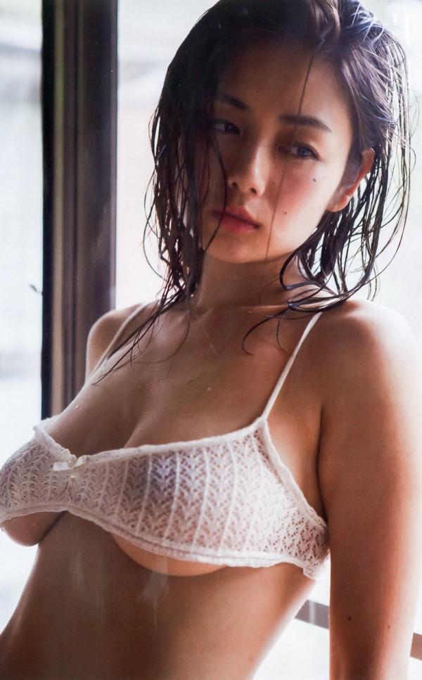 元ミス日本でグラビア女王片山萌美が爆売れした写真集以来、半年ぶりにヌード披露キタ!!